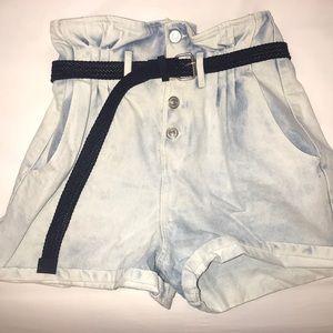 Adorable high rise Zara shorts removable belt